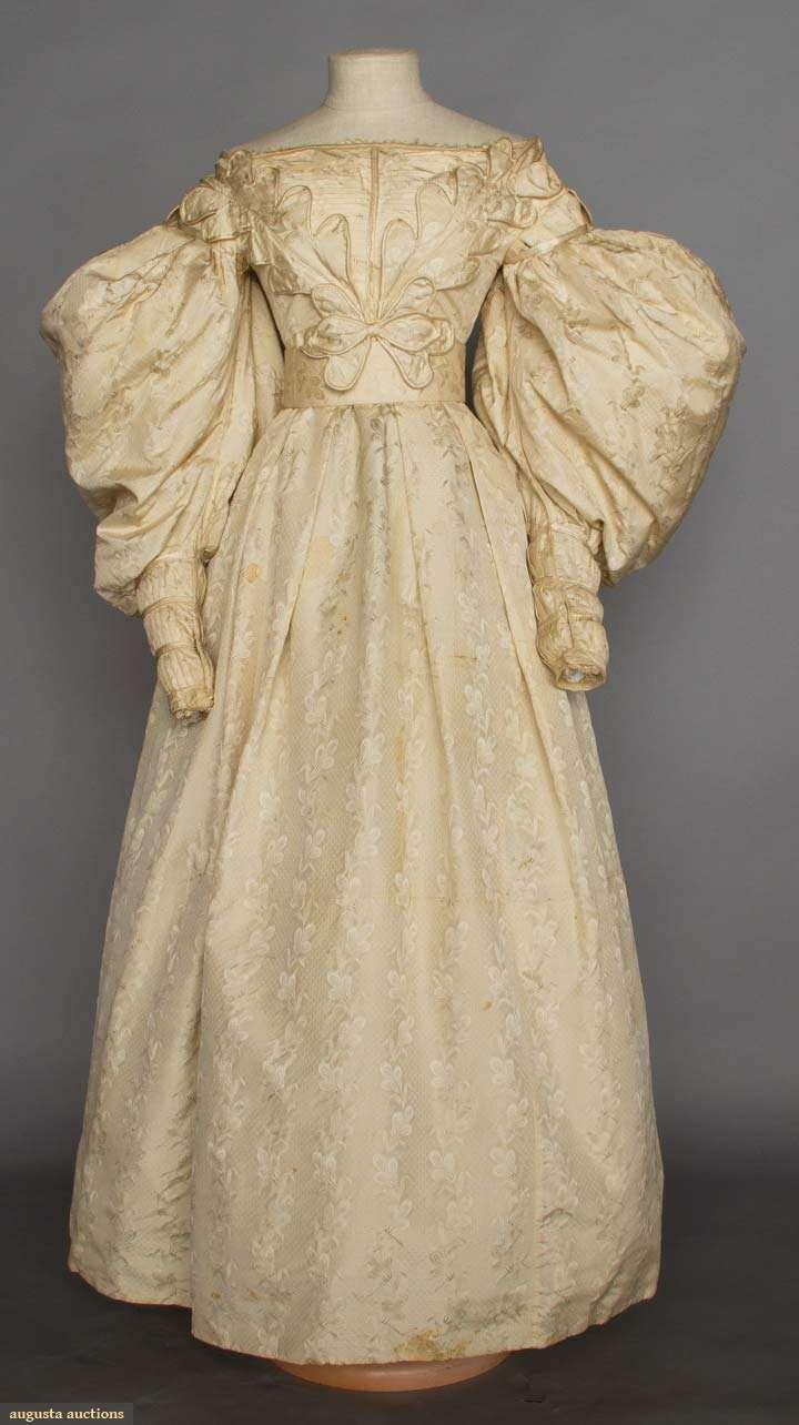1830er, Hochzeitskleid aus Seidenbrokat | Biedermeier: Hochzeit ...