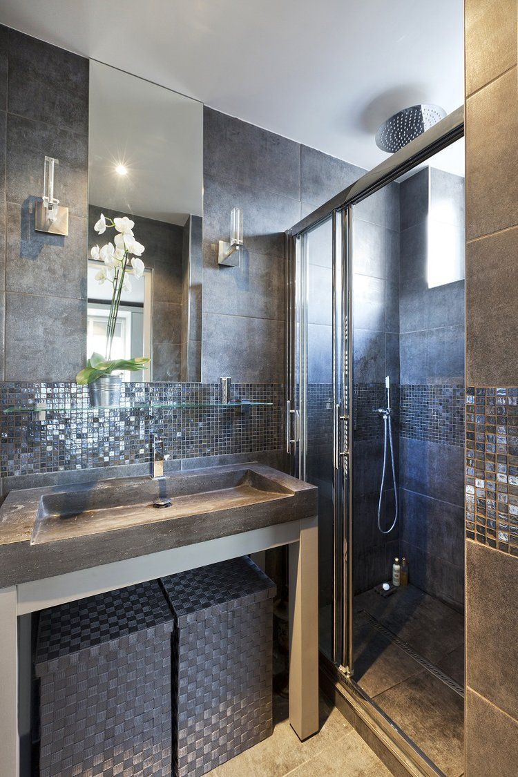 petite salle de bains grise et lumineuse moods deco pinterest interiors bath and tile showers. Black Bedroom Furniture Sets. Home Design Ideas
