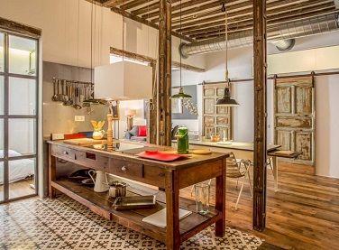 Cocina retro abierta en loft con baldosa hidr ulica - Baldosa hidraulica cocina ...