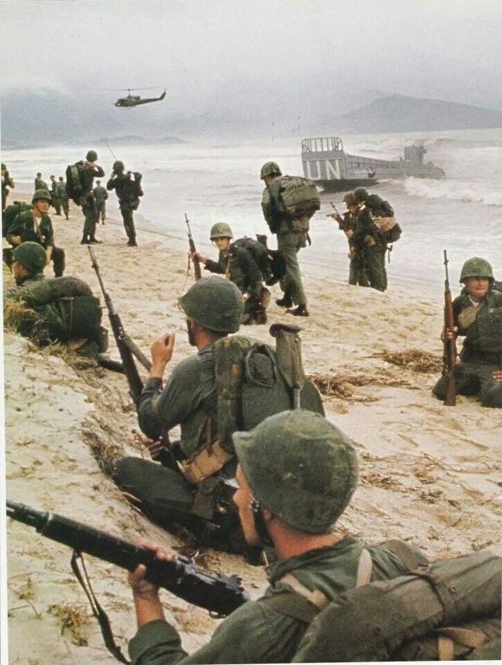 Vietnam 1965 Red Beach Vietnam War Vietnam Vietnam War Photos