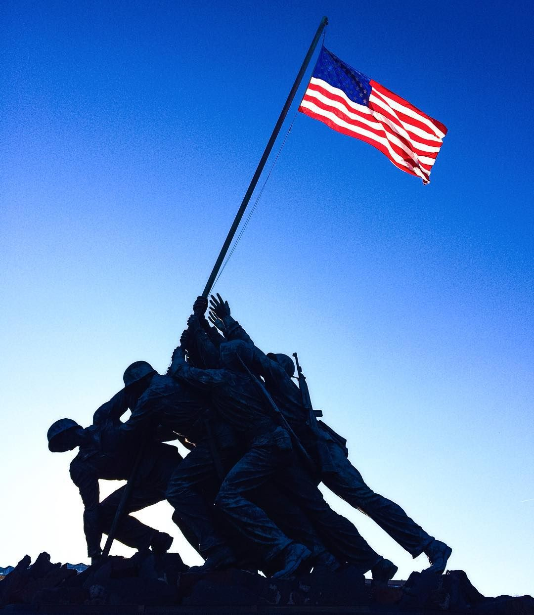 Roller skating rink arlington va - The Iwo Jima Memorial In Arlington Virginia Is So Powerful Those Hands