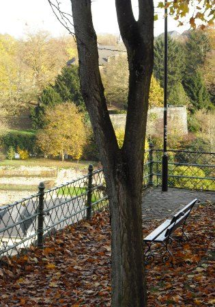 an inviting bench in Luxembourg City along the Chemin de la Corniche #travel