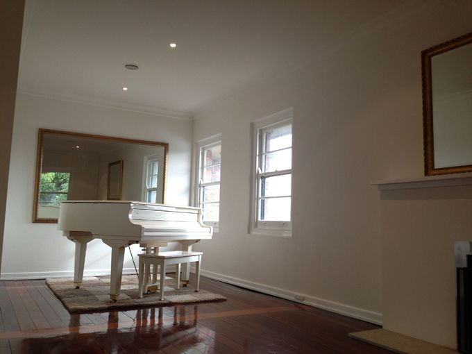 Ceilings Were Finished In Antique White Usa 1 2 Strength And Walls