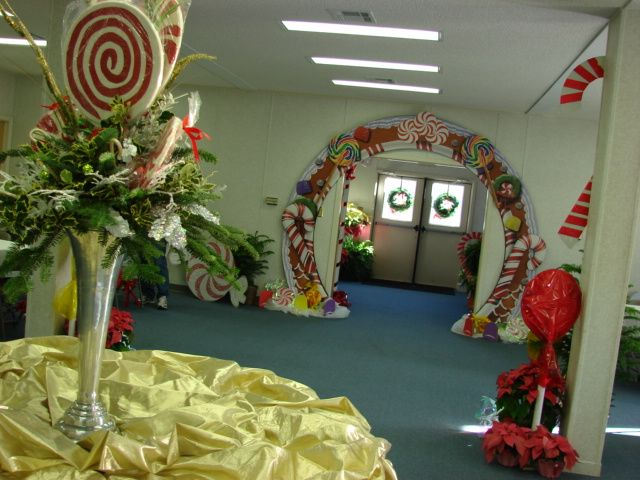 Christmas dinner decor for liberty baptist church by marys for Christmas hall decorations