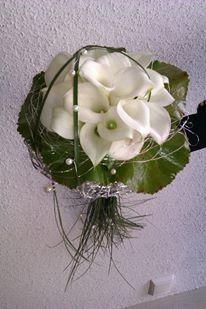 Brautstrauss Mit Weissen Calla Und Bargras Www Blumenwerkstatt Biz