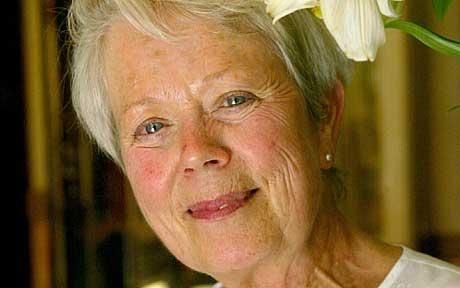 annette crosbie daughter
