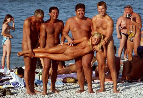Erotic beach femailes