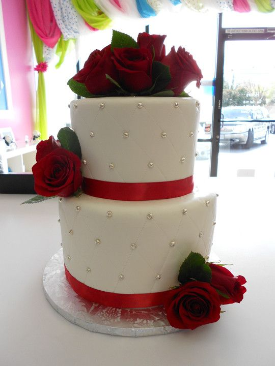 two tier wedding cakes with roses two tier wedding cake by just cakin it wedding 21373
