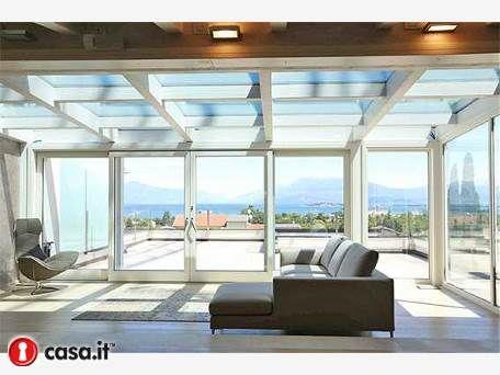 DESENZANO DEL GARDA Prestigioso e moderno appartamento attico di ...