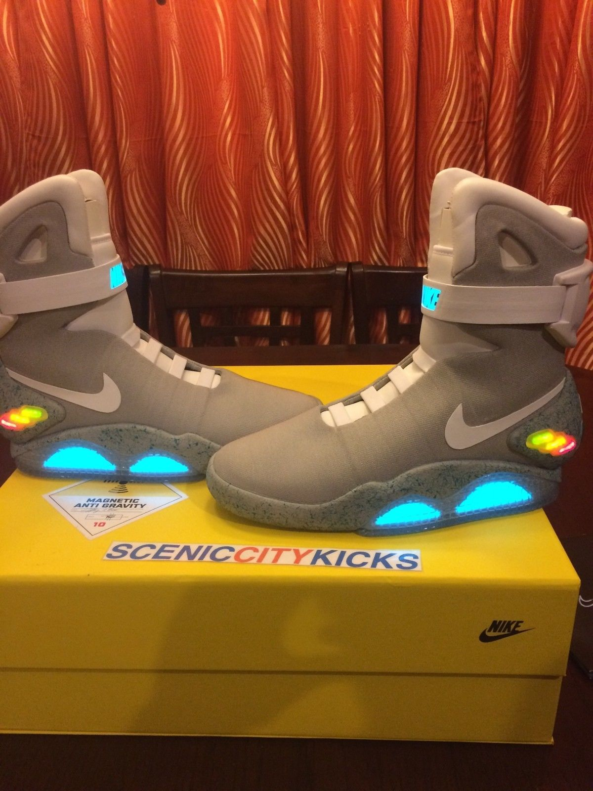 the best attitude ad009 125ce 2011 Nike Air Mag Back To The Future MartyMcfly Brand New DS  876 US Men Size  10   eBay