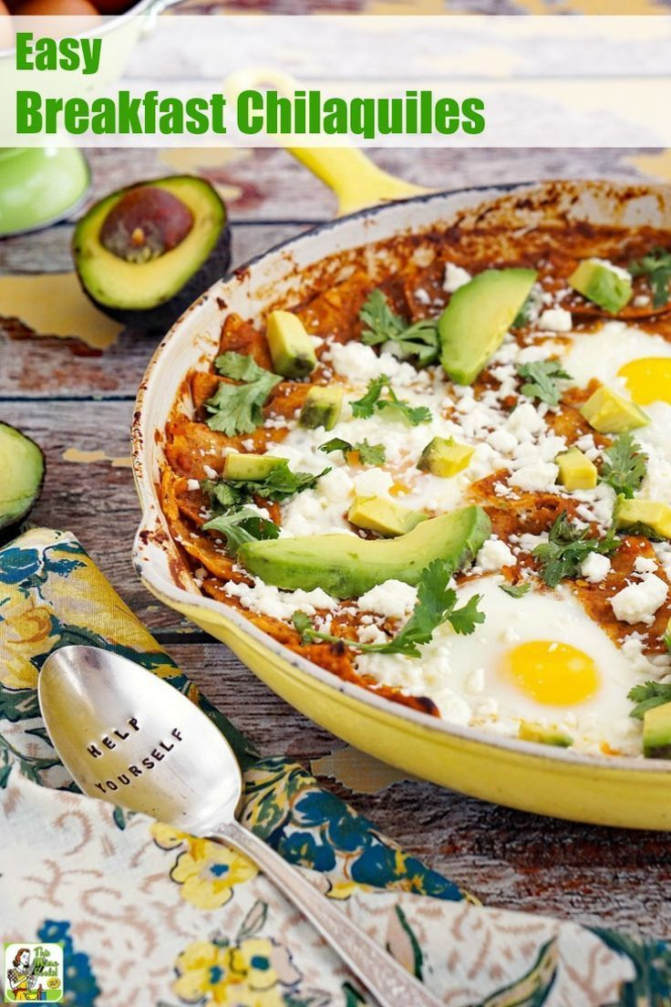 Try this Easy Breakfast Chilaquiles Recipe this weekend! Made with chorizo, tortilla chips, avocado, queso fresco cheese, salsa verde, and eggs. Naturally gluten-free. #breakfast #brunch #recipes #easy #recipeoftheday #glutenfree #easyrecipe #easyrecipes #glutenfreerecipes #Mexicanfood #chorizobreakfastrecipes