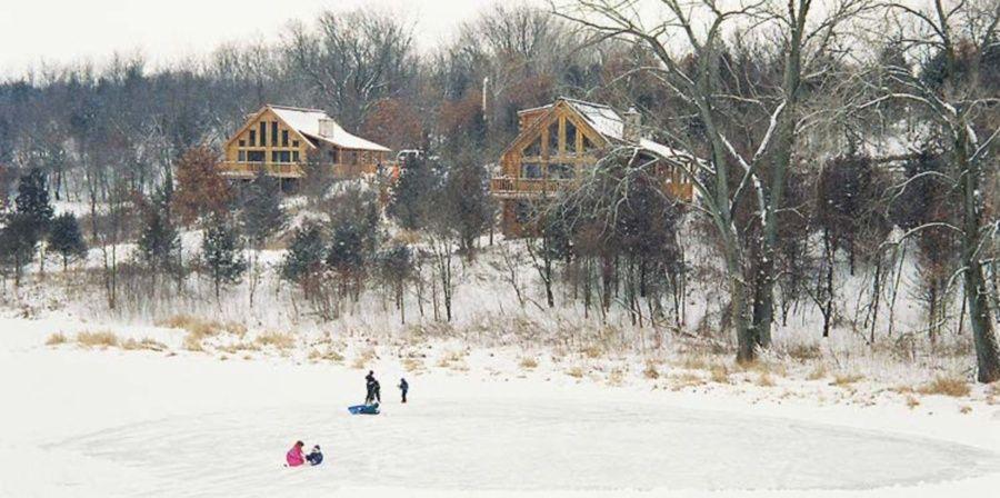 Wisconsin Cabin Rentals - Rustic Ridge Log Cabin Lodging offers 4