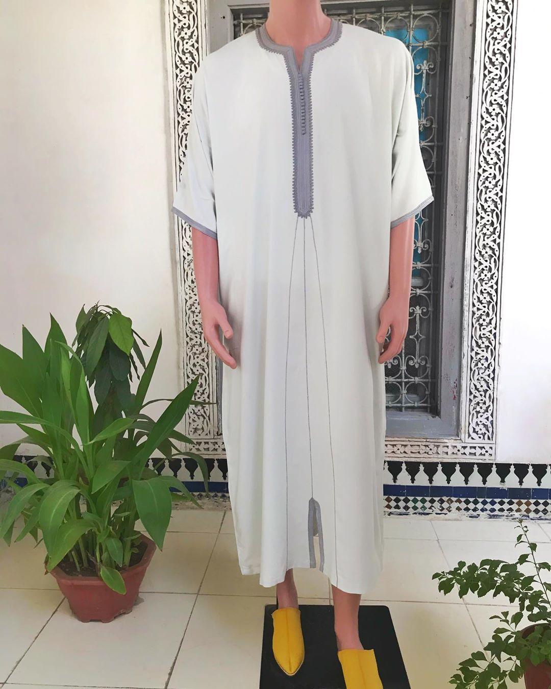 قندورة بثوب ممتاز الفخامة والاناقة لها معنى عند Maalem باثمنة معقولة والجودة يسلام تابعو الجديد كل يوم التوصيل لجميع المد In 2020 Coat Fashion Duster Coat