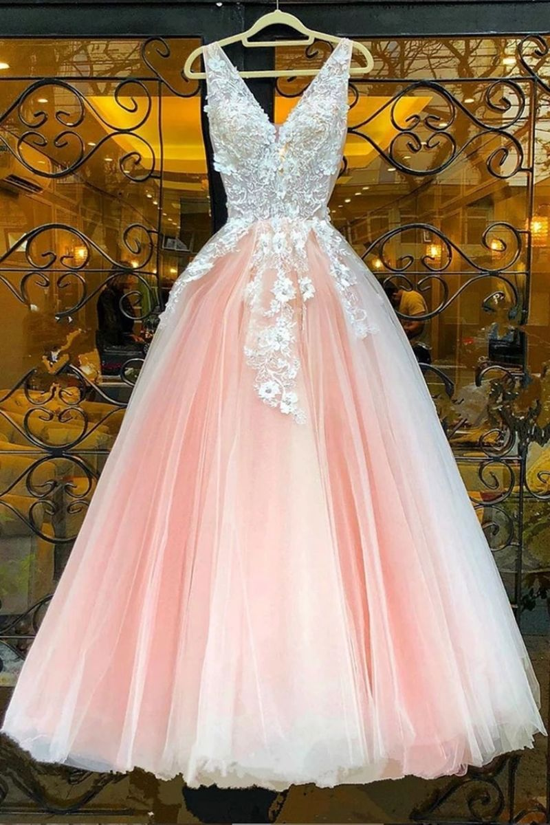 v neck pink lace appliques long sweet 16 prom dres in 2020