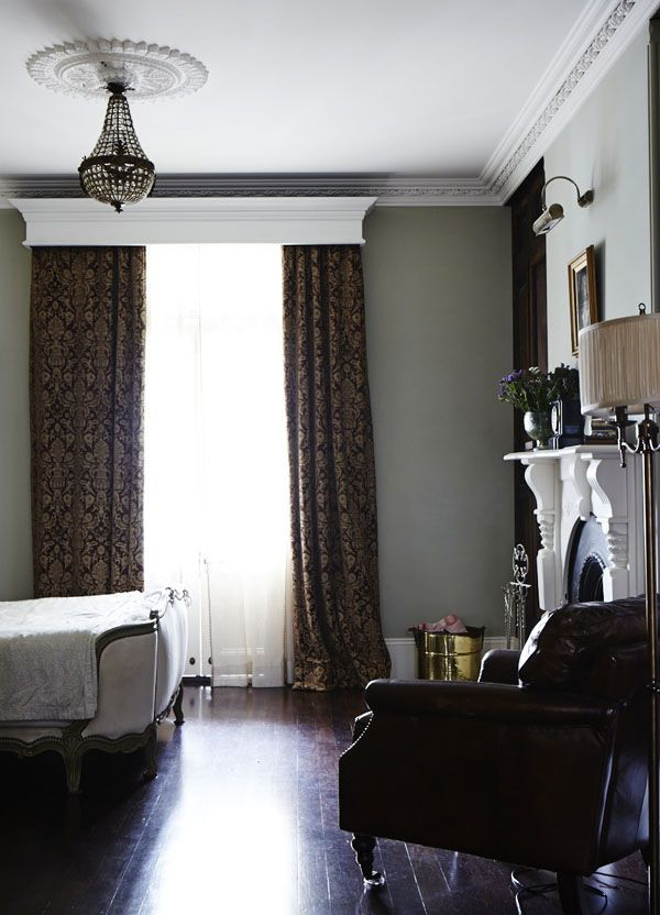 LeahFraser_bedroomside