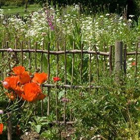 Installer des barrières champêtres | jardin barrière | Pinterest ...