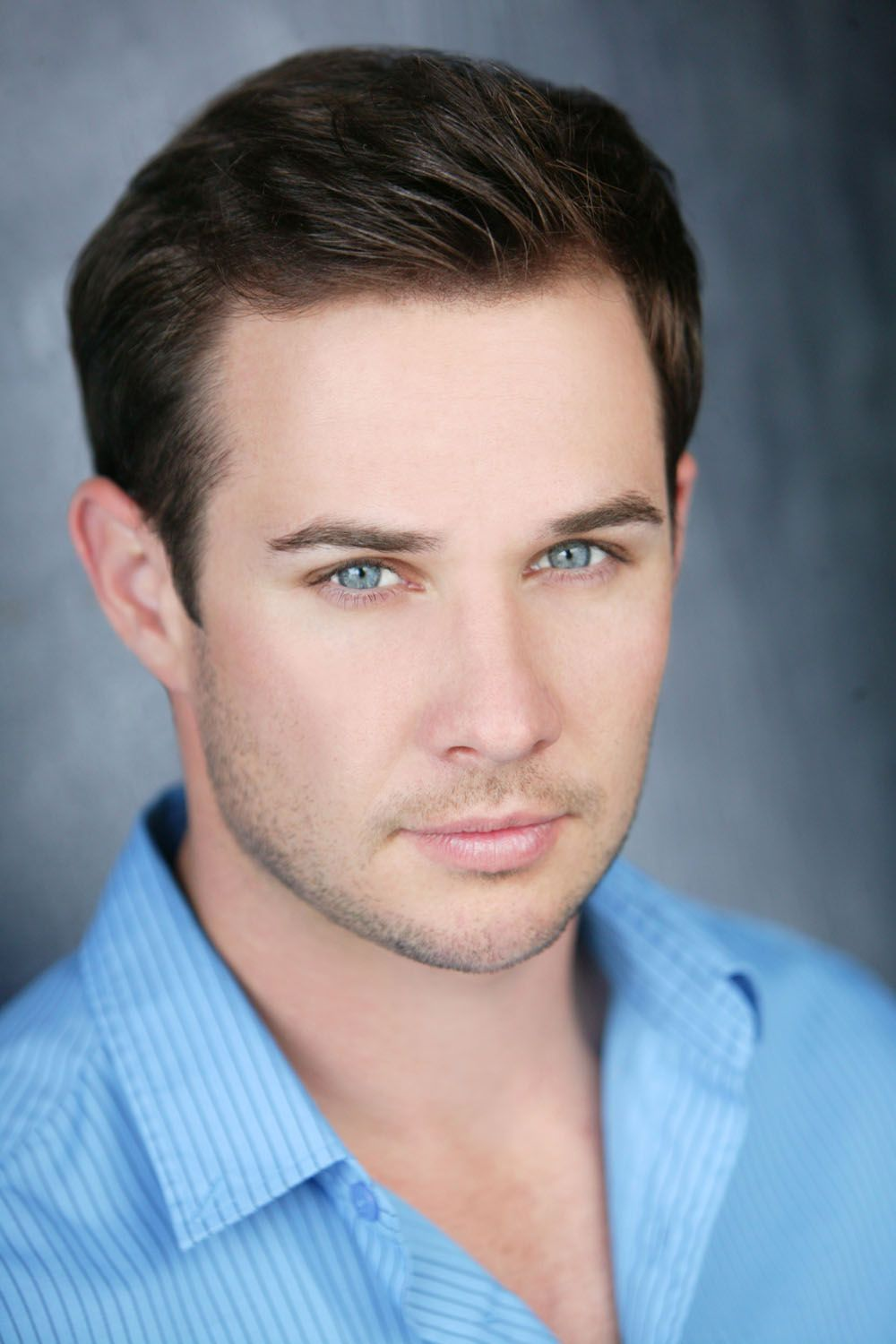Ryan Merriman - 2017 Dark Brown hair & chic hair style. Current length:  short hair