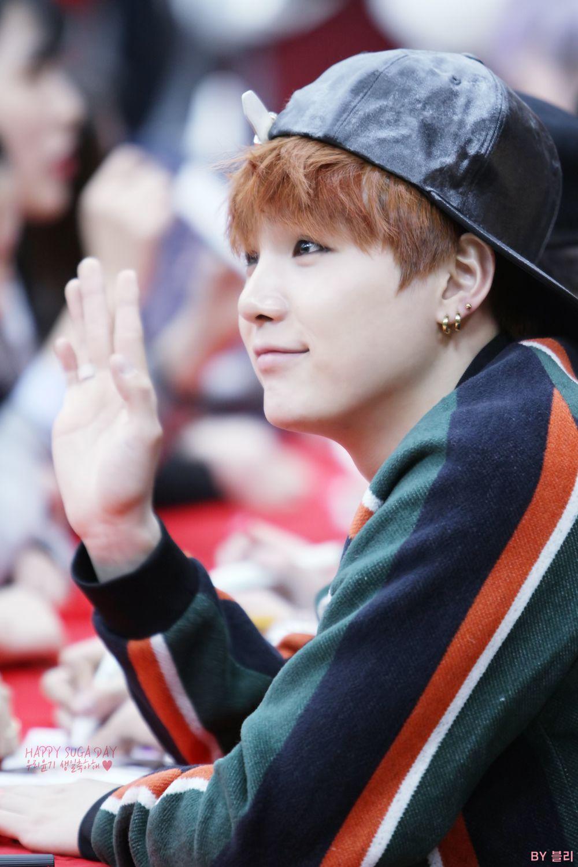 141125 BTS @ Myeongdong Fansign ❤
