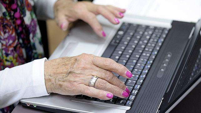 Neue Zürcher Zeitung: Immer mehr ältere Menschen tummeln sich auf Facebook. Jüngere kehren dem Massennetzwerk den Rücken...
