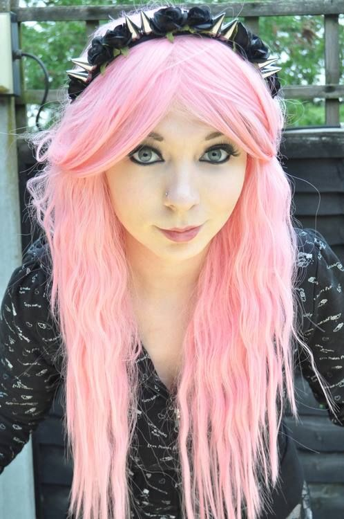 Cotton candy pink pastel goth hair with a spiked headband. Perfect! ❤