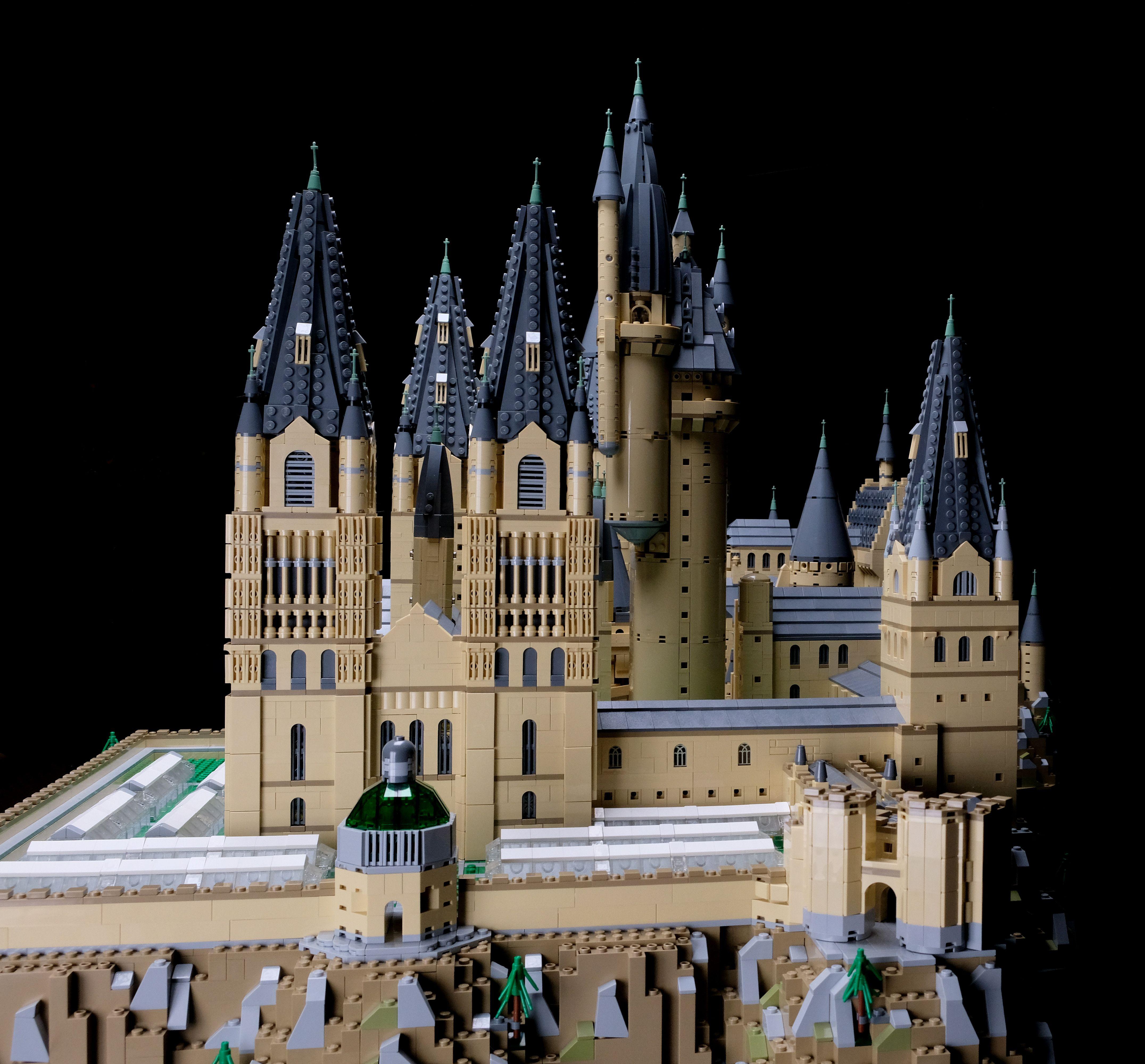 Brickfinder Upsize Your Lego Hogwarts Castle 71043 With This Amazing Fan Mod Lego Hogwarts Hogwarts Castle Hogwarts