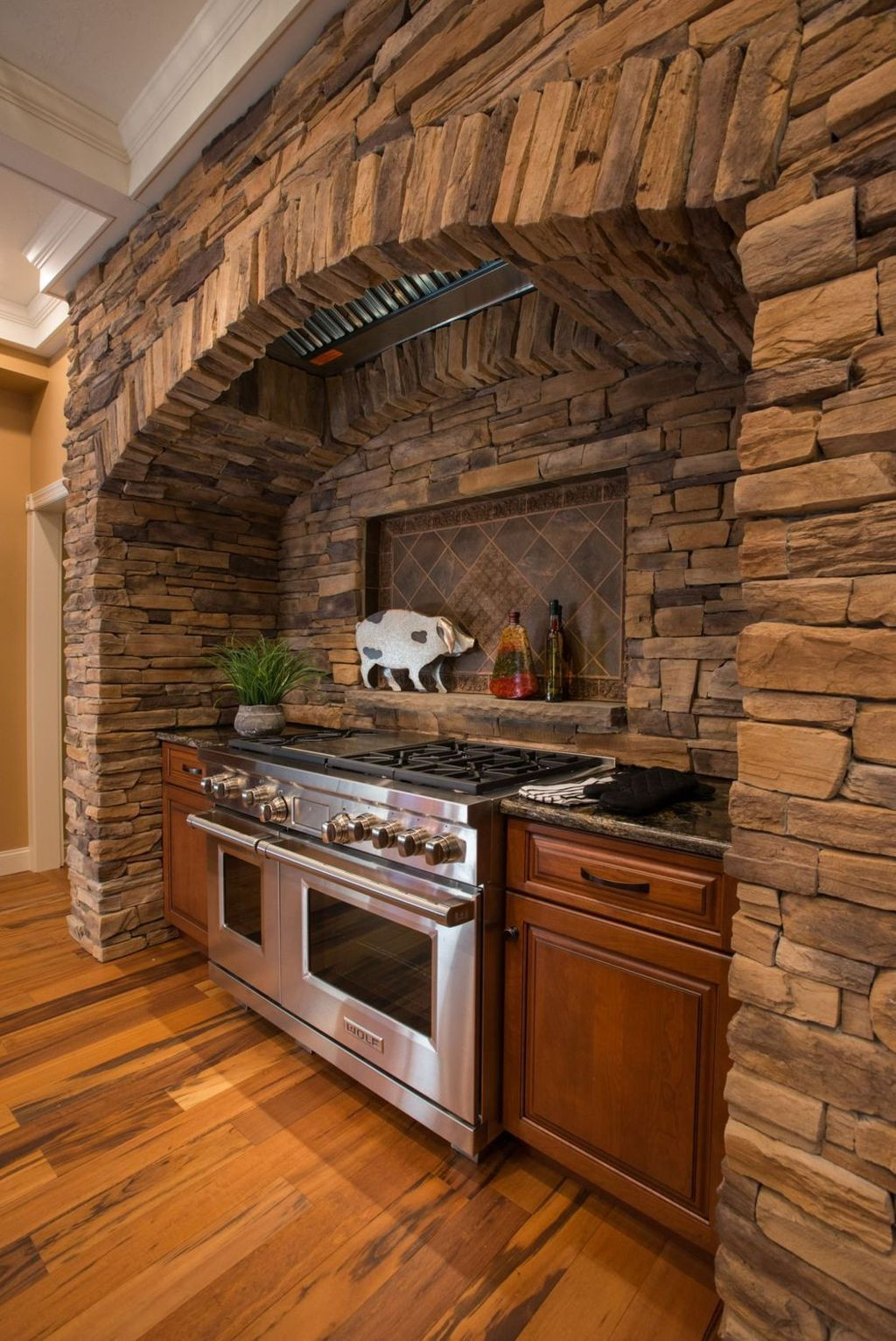 32 stunning rustic kitchen design and decor ideas rustic kitchen design rustic interior style on kitchen decor themes rustic id=21623