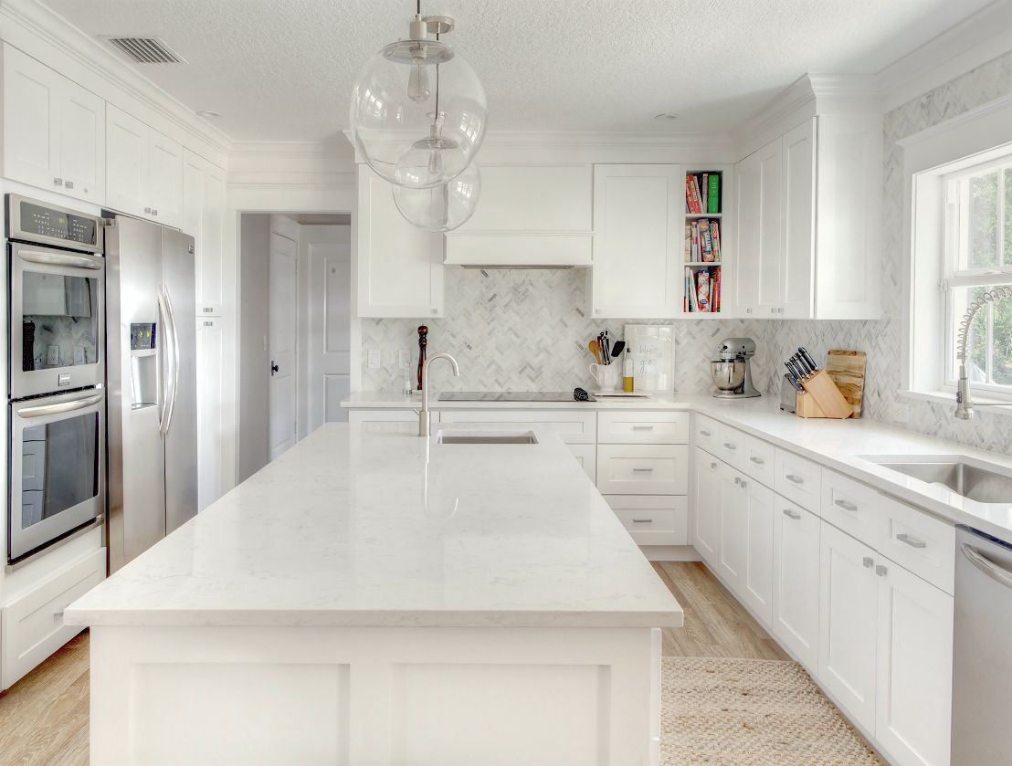 How Much Does It Cost To Do A Smart Kitchen Renovation White Marble Kitchen White Kitchen Renovation White Kitchen Countertops