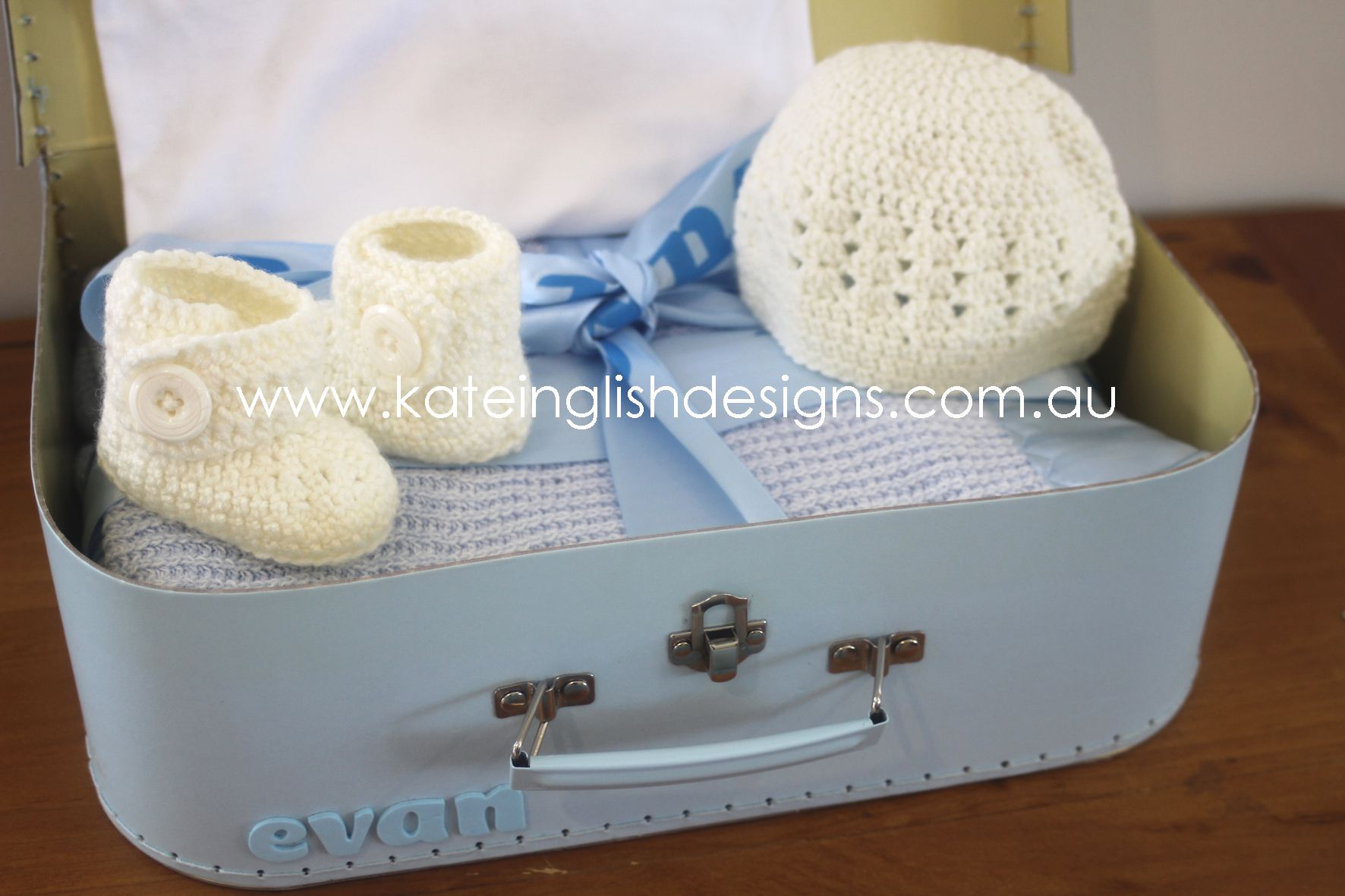 Personalised newborn baby boy gift sets with handmade australian personalised newborn baby boy gift sets with handmade australian wool matching beanie and booties kateinglishdesigns personalisedgifts negle Image collections