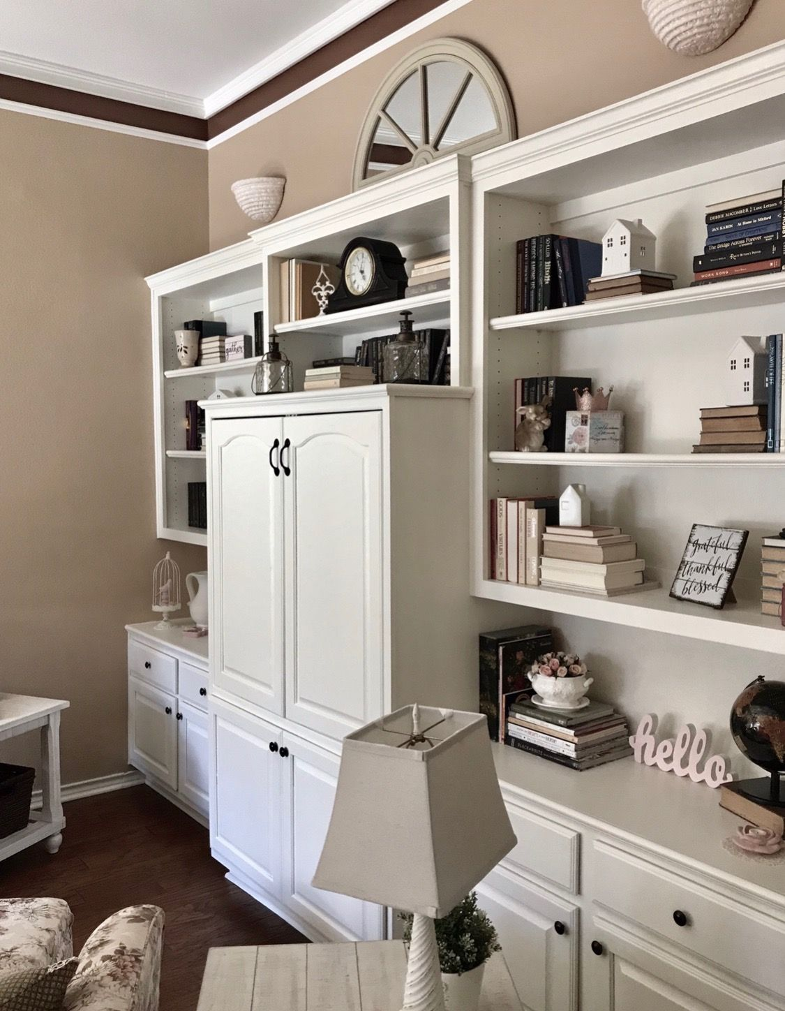 Cottage Home Library: Pin By Rose Garden Market ; From Cele On Library Home