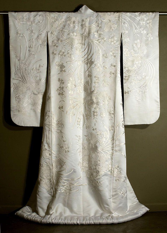Japanese Embroidered Shiromuku Marla M Kimono Fashion Kimono Design Japanese Outfits