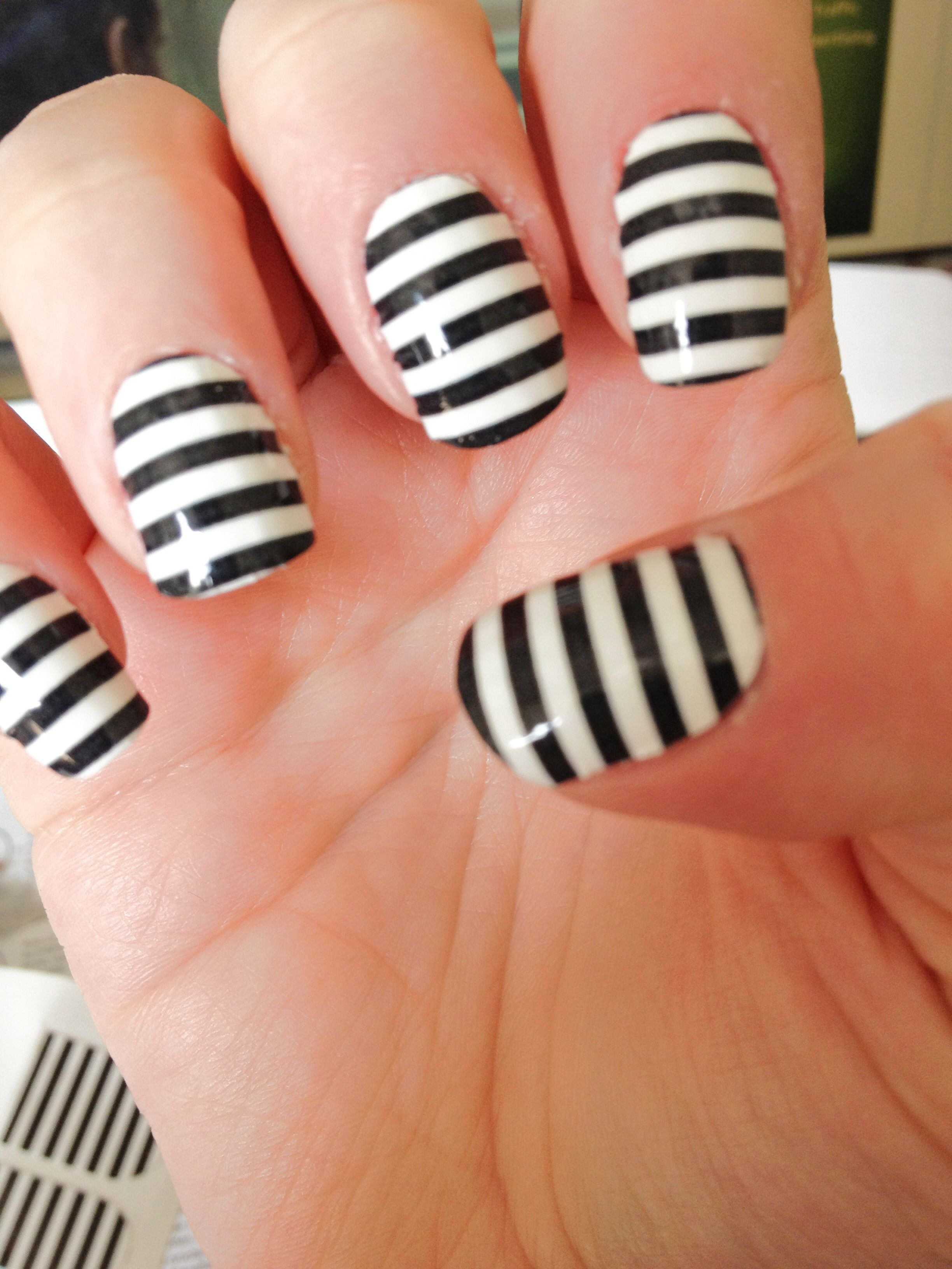 Black And White Striped Nails Striped Nails Black Nail Designs Nail Art Stripes