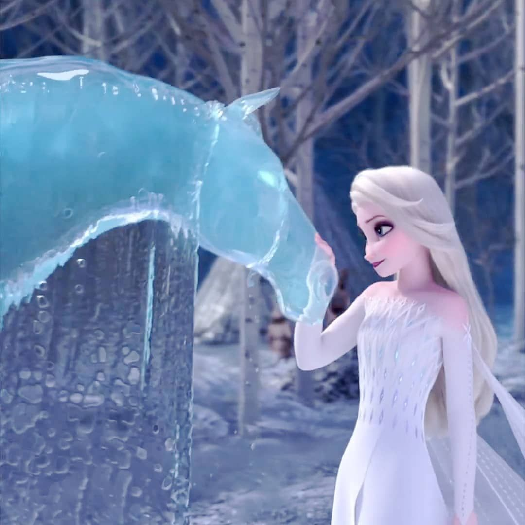 "Photo of ƒ૨σƶεɳ™ on Instagram: ""#elsa #anna #frozen2 #frozen #freeze  #disneylandparis  #disney  #disneyprincess  #disneyland  #disneyphotography  #princess #princesses…"""
