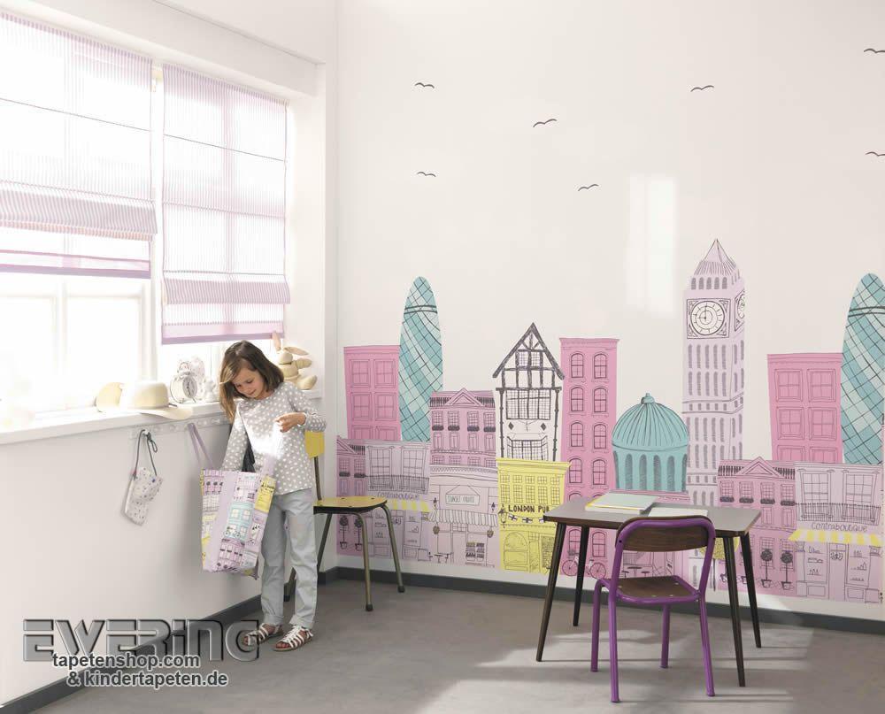 Alice & Paul 18 - Ein großes Wandbild mit Häusern und ...
