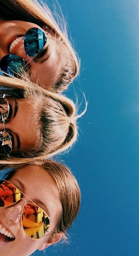 23 Sweet Summer Travel Photo Ideas with Best Friends