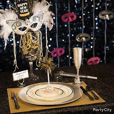 Put On Glitzy New Year S Show By Throwing A Masquerade