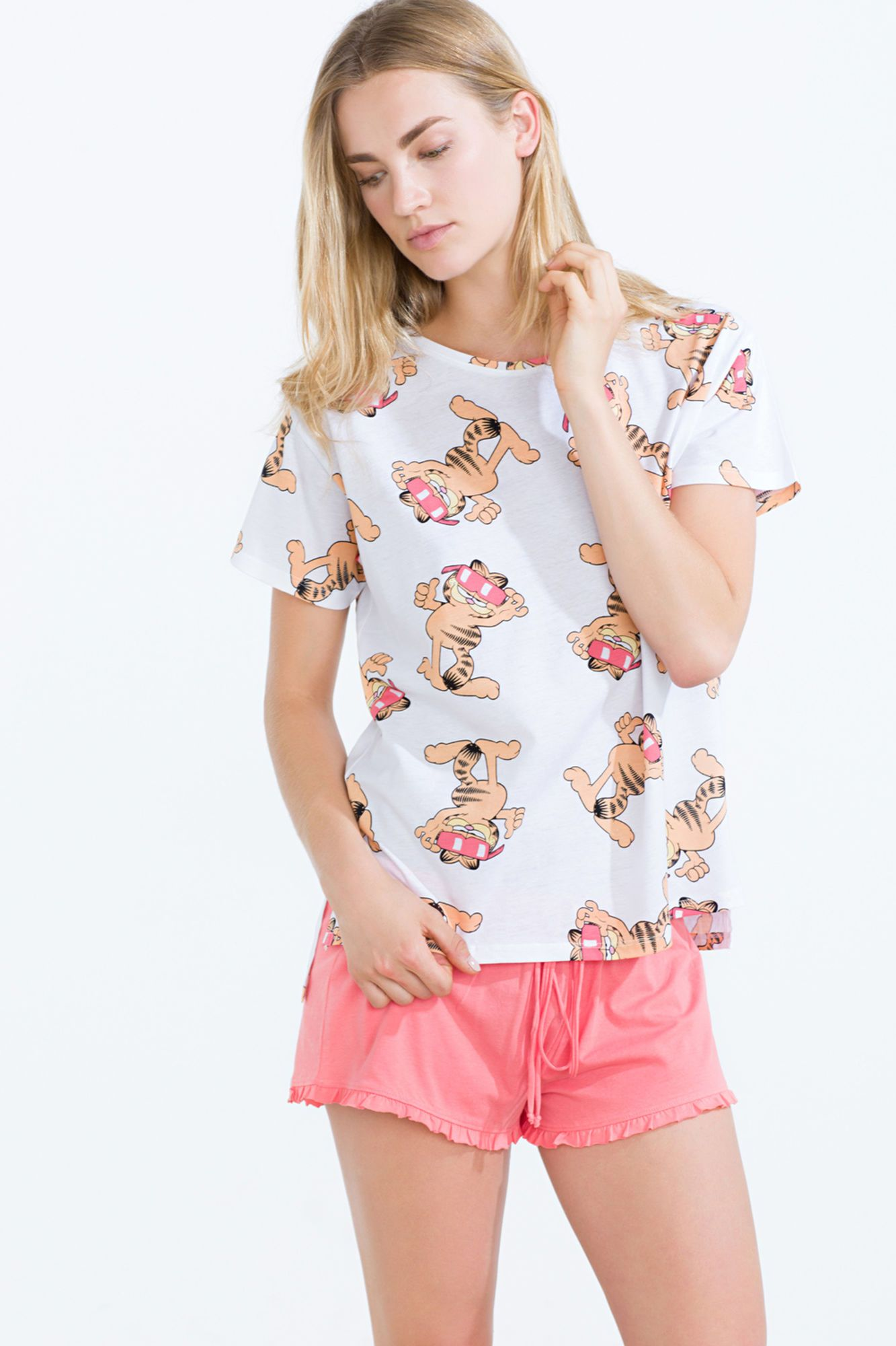 Pijama corto con estampado de Garfield | Pijamas cortos | Women´secret