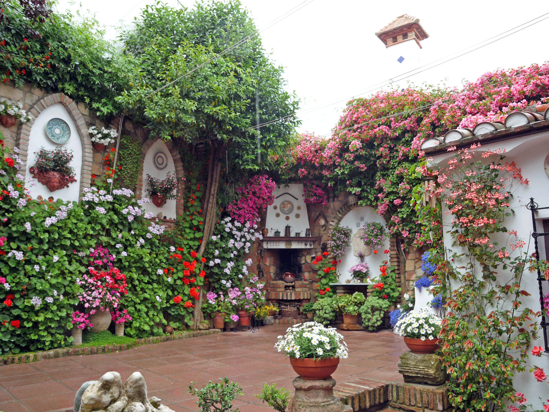 Patio calle barrionuevo cordoba espa a jardines for Calle jardines madrid