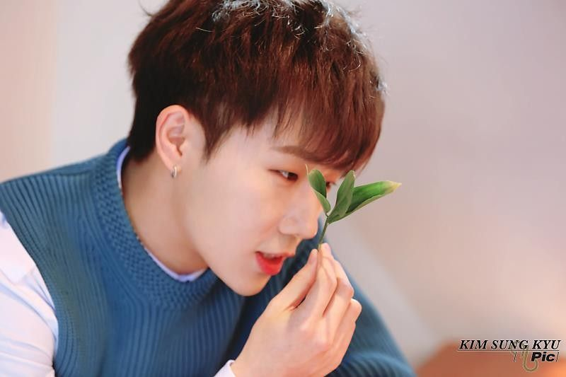 180227 Kim Sunggyu Naver Update 10 Stories Behind The Scenes Jacket Photoshoot 김성규 True Love 10 Stories Kim Sung Kyu Kim Sung Kyu Boy Groups Singing