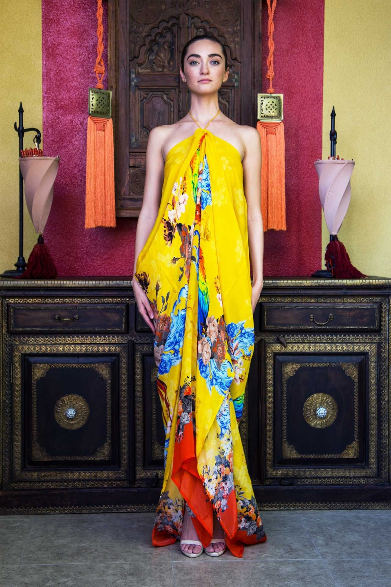 Long kaftan dress in yellow tropical print in sejseli