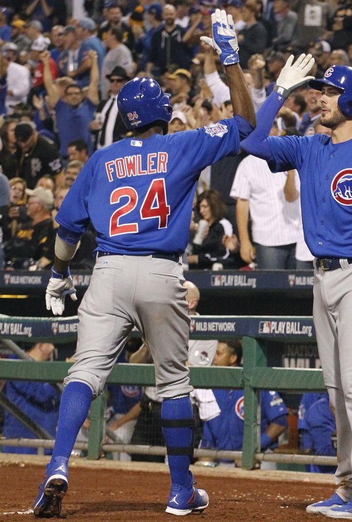 9e08797d592c9e ... Dexter MLB SoleWatch Dexter Fowler Helps Cubs Advance in Air Jordan 4  Cleats ...
