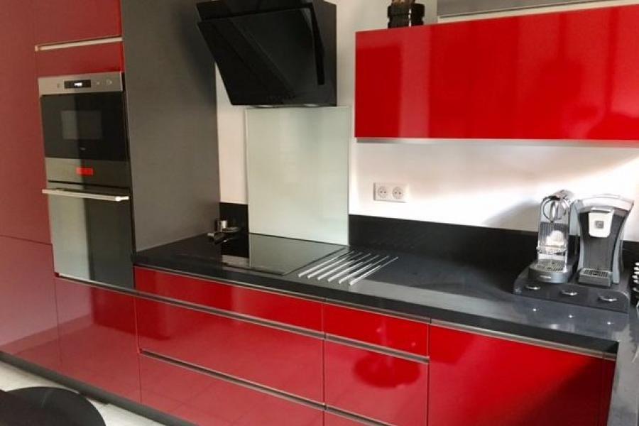 Cuisine Client Cuisine Rouge Et Noire Chez Madame T Pour Une