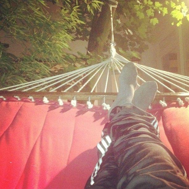 """@freddy1900's photo: """"#sweetsummer #hängematte #jogginhose #red"""""""