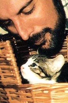 Freddie Mercury and cat #freddiemercury