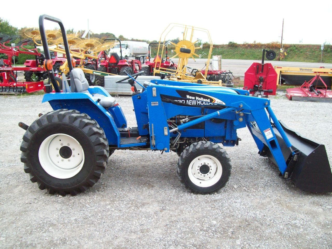 Nice Ford New Holland Tc30 Compact 4 Wd Diesel Tractor With Loader