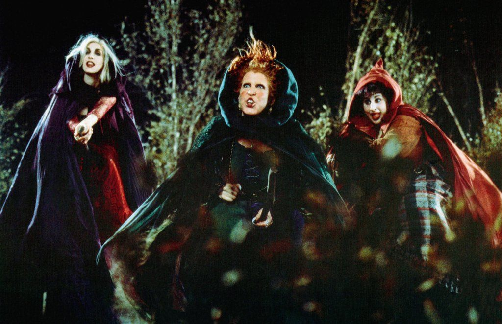 24 Halloween Movies For Kids Based on Their Age Halloween movies - halloween movie ideas