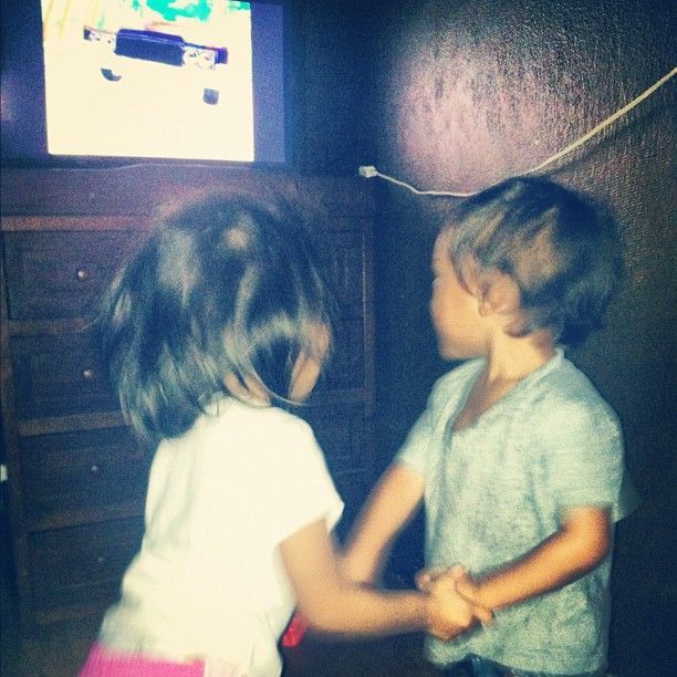 They woke up to dance to the gummy bear song lol these two ...