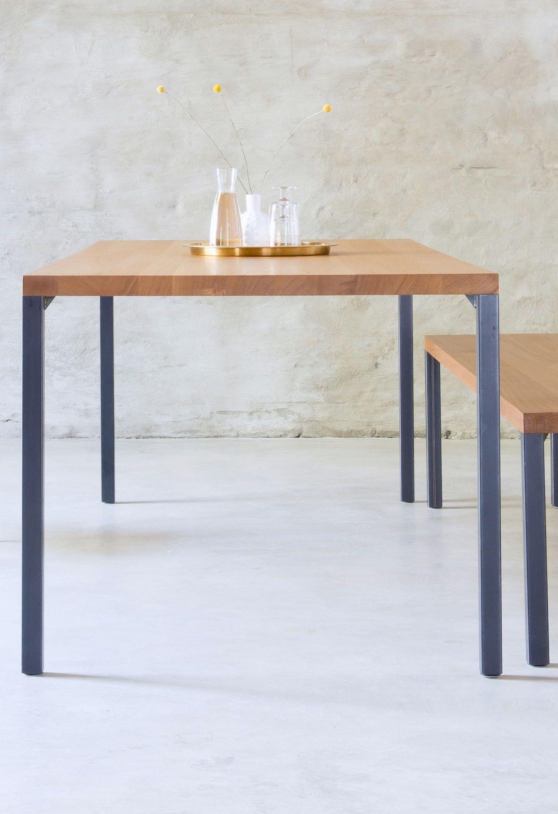 Esstisch Lola, nach Maß gefertigt aus 46% Massivholz.  Design