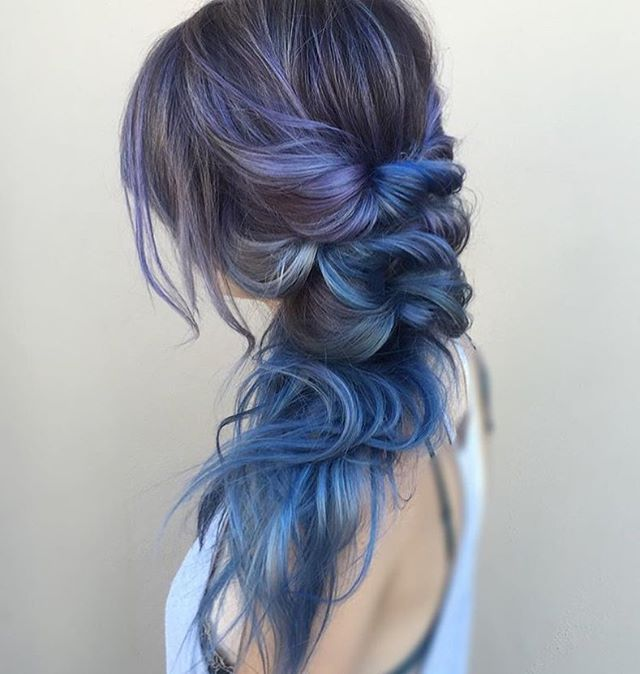 30 Creative And Unique Wedding Hairstyle Ideas: Stormy Midnight Blue Side-do By @theblondebrunetteaz Using