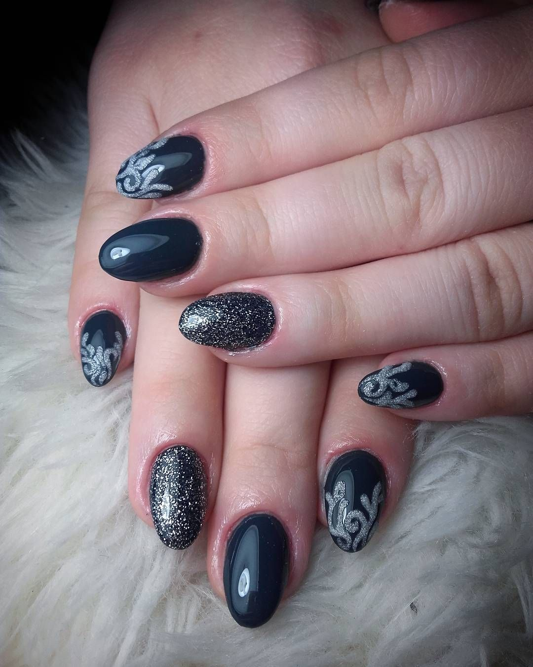 awesome 40 Fascinating Ways to Style Black Nails – Topping the Ladder of Elegance