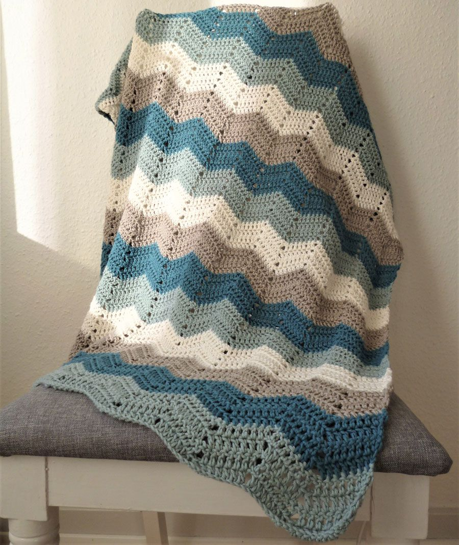 hæklet tæppe i zigzag mønster